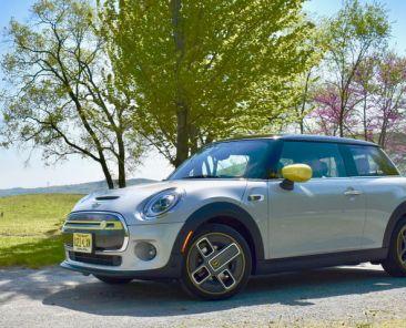 2020 Mini Cooper SE review: It's electric